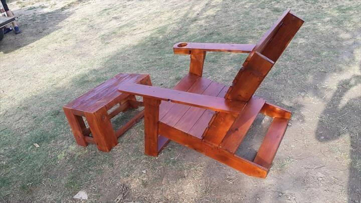 recycled pallet Adirondack chair and coffee table