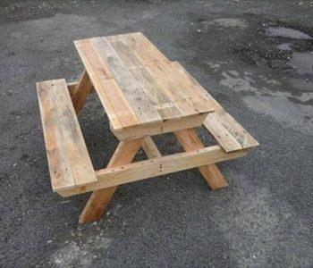 recycled pallet picnic table
