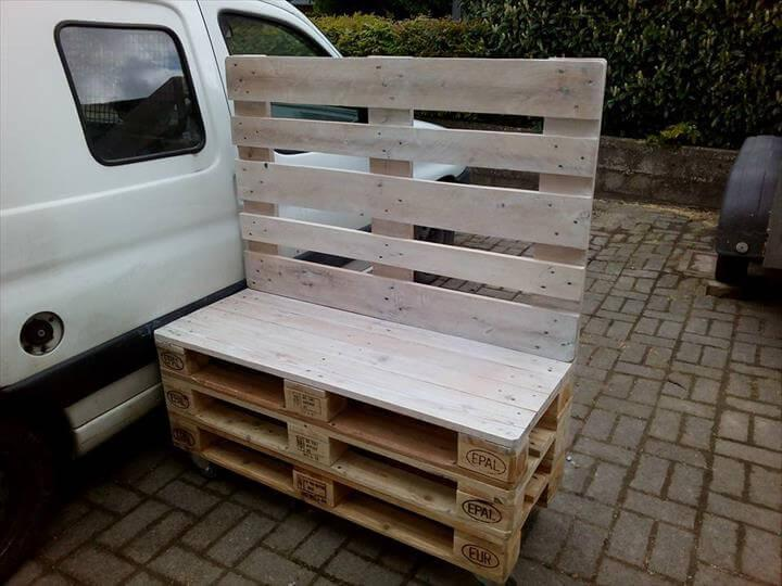 recycled wooden pallet media table