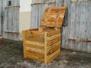 reclaimed pallet storage chest
