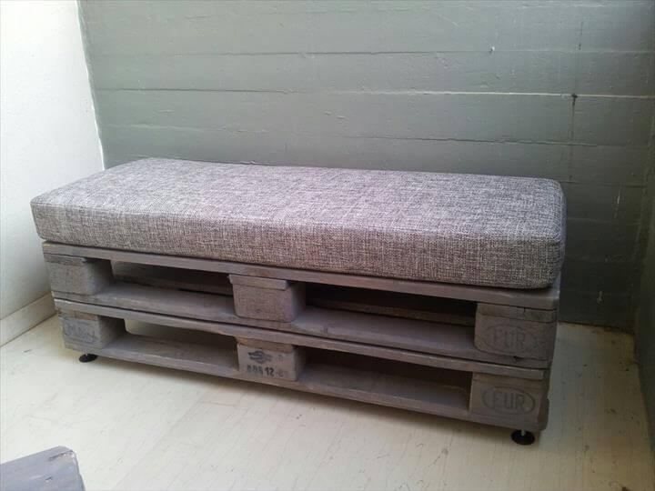 wooden pallet cushioned bench