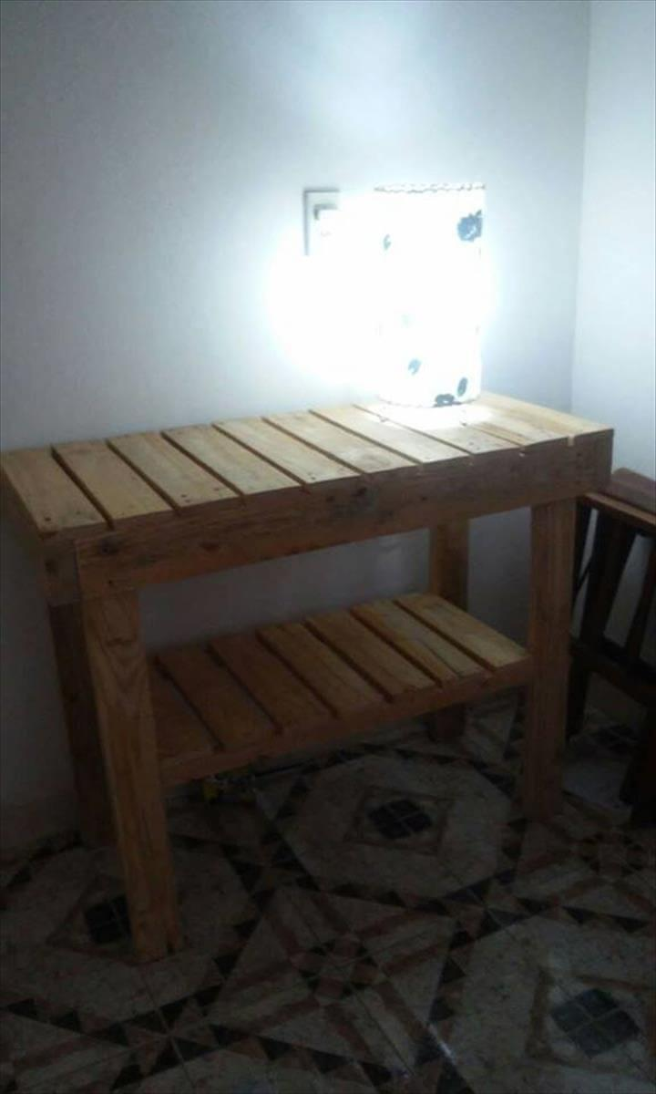 hallway table made of pallets