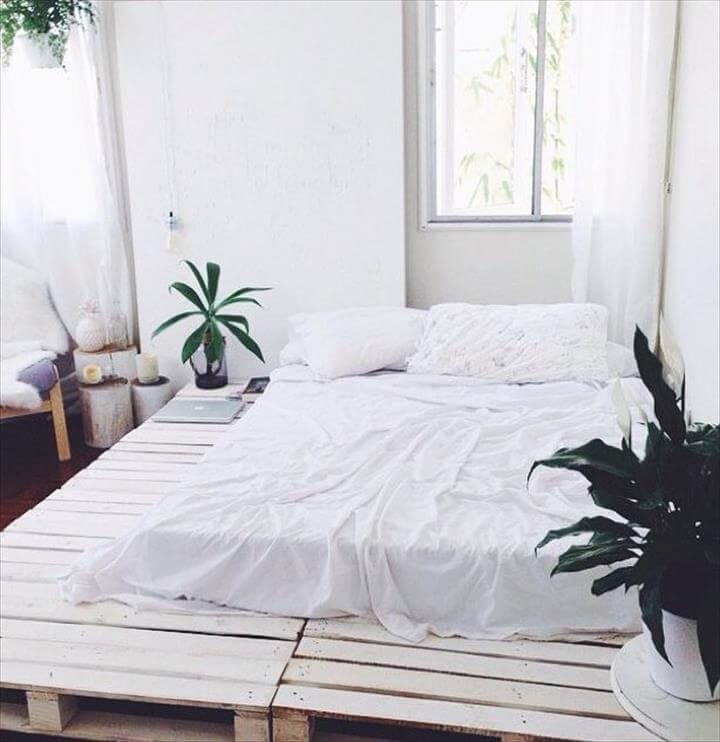 shabby chic whtie pallet platform bed