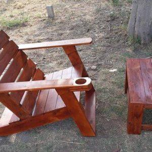 upcycled wooden pallet Adirondack chair and coffee table
