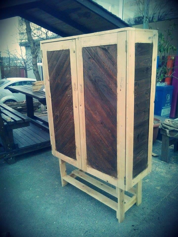 recycled pallet wooden cabinet