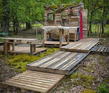 pallet outdoor bathroom wooden walkway