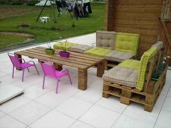 upcycled pallet garden furniture