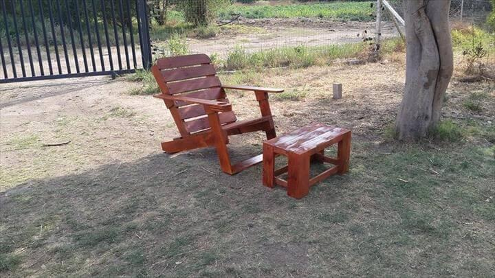 rustic yet modern pallet Adirondack chair and coffee table