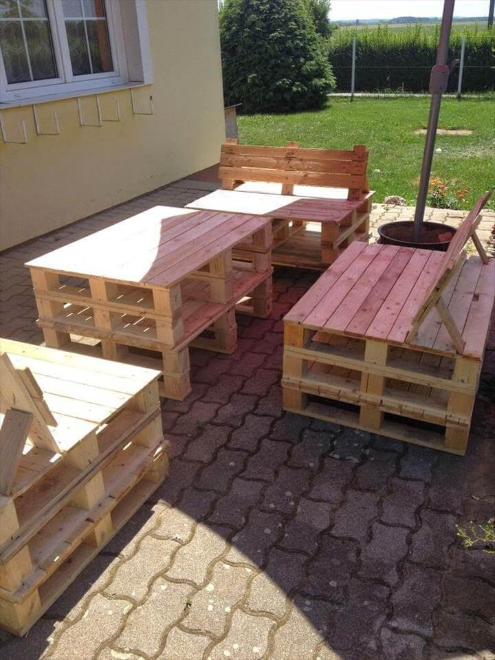 repurposed wooden pallet outdoor sitting furniture & Patio Furniture Set Made From Pallets - Easy Pallet Ideas