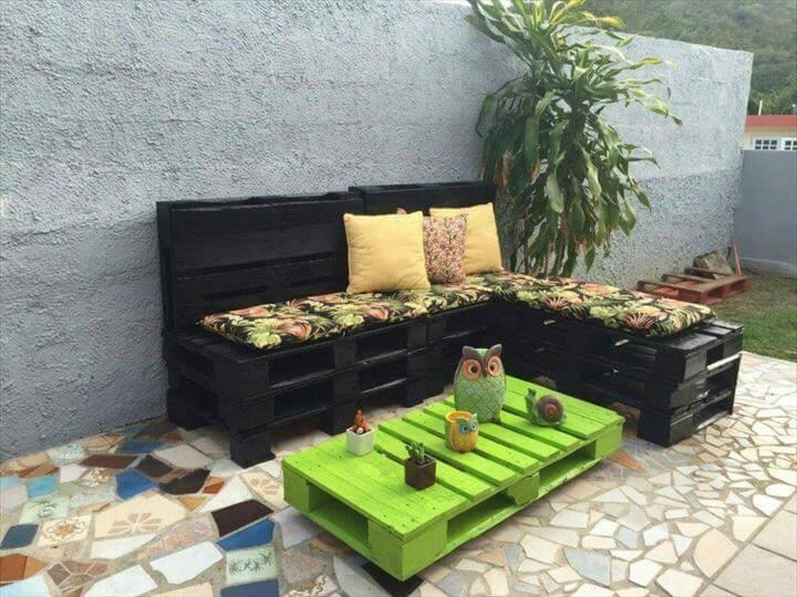 black stained pallet L-sofa