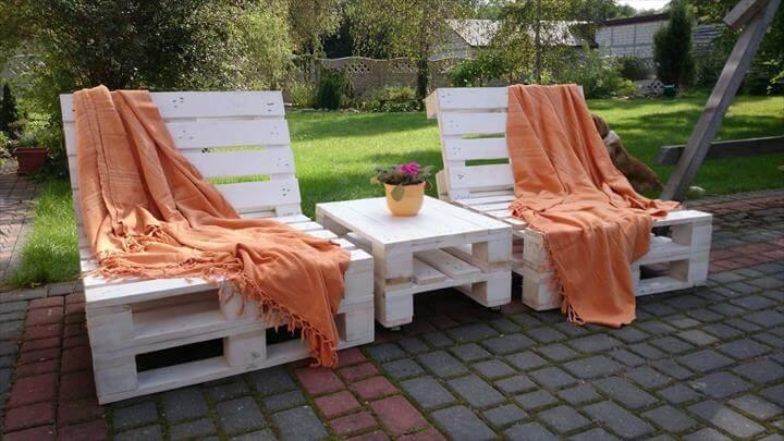 handmade wood pallet lounge chairs