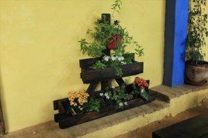 pallet triangular vertical planter