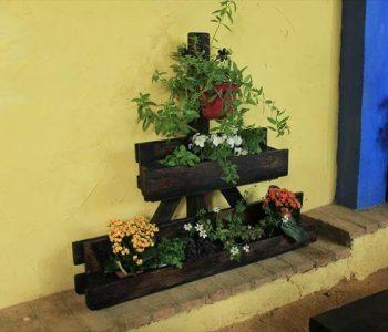pallet triangular vertical planter