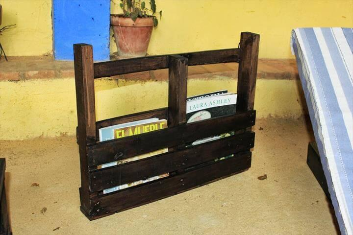 reclaimed pallet stained bookshelf