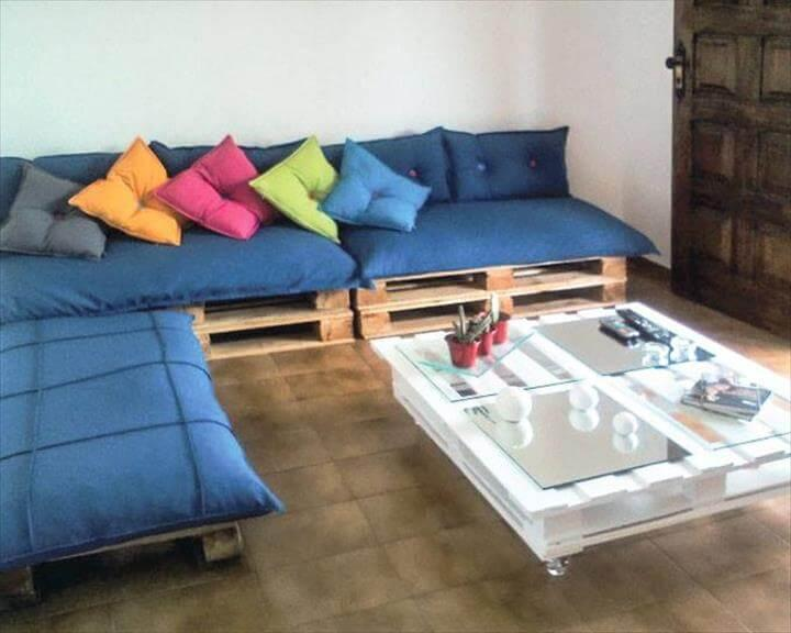 upcycled pallet sectional sofa with blue cushion!