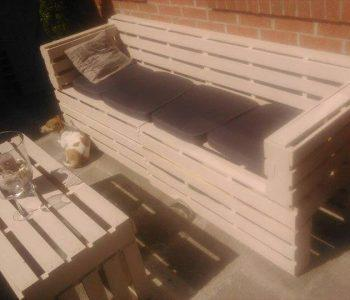 repurposed pallet 3 seated sofa with table