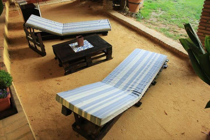 upcycled pallet cushioned loungers