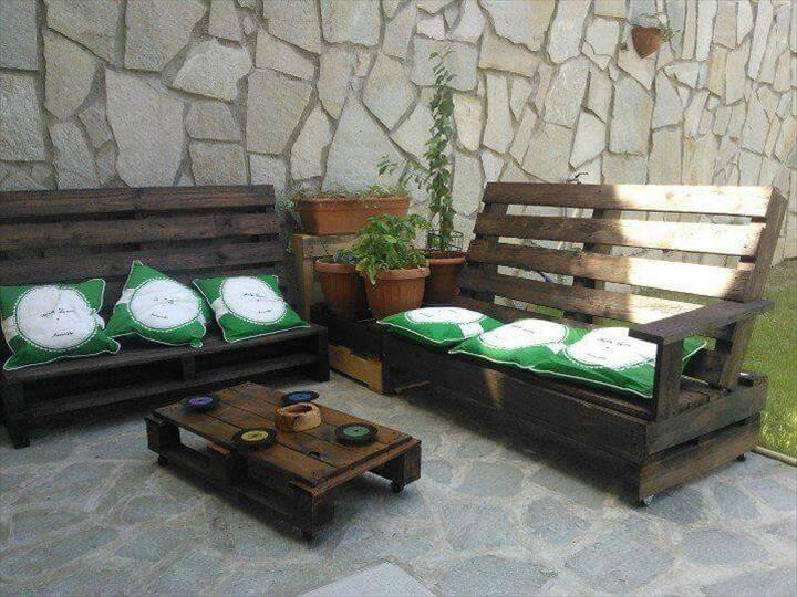 diy whole pallet cushioned sofas