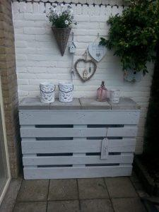 recycled pallet entryway table with concrete tiles top