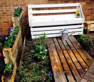 reclaimed pallet garden and patio bench