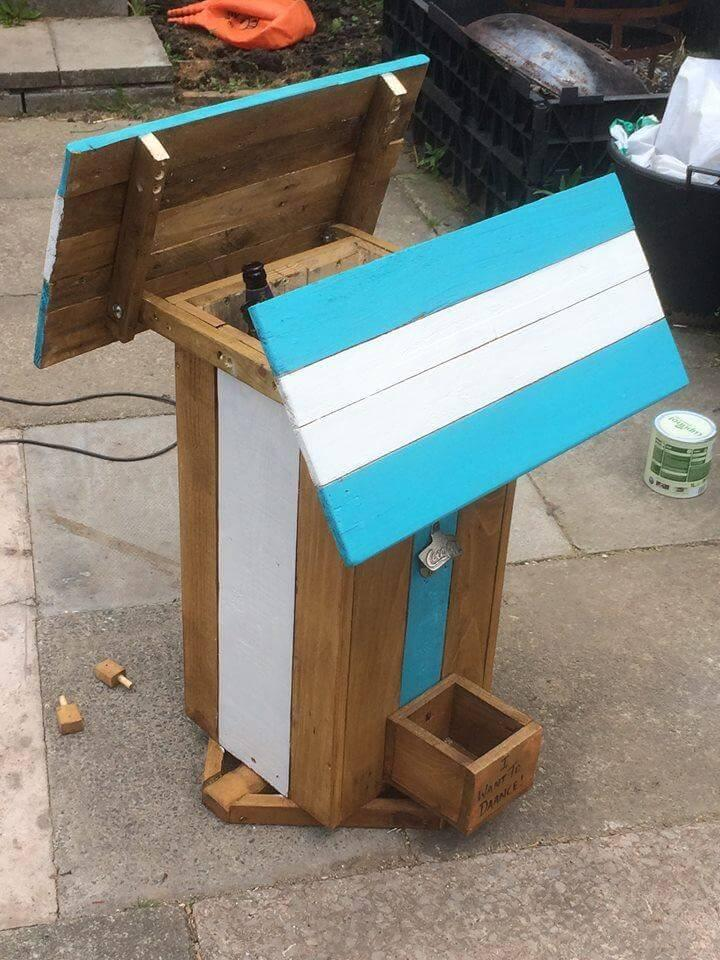 recycled pallet ice chest and side table