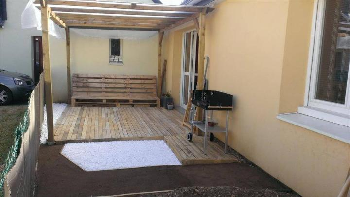 reclaimed pallet home decking