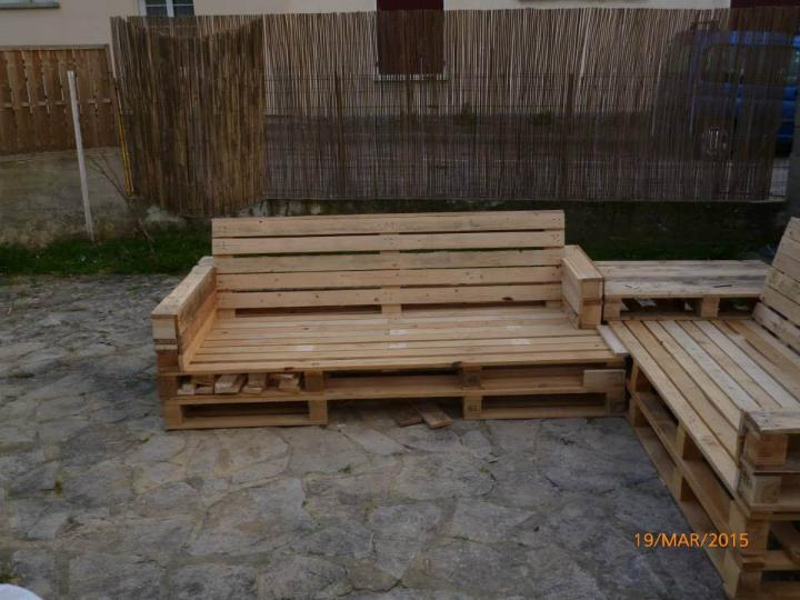 reclaimed pallet garden and patio set