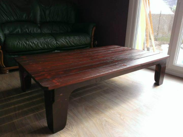 recycled pallet living room coffee table