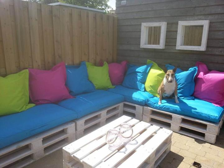 repurposed pallet L-shape patio couch