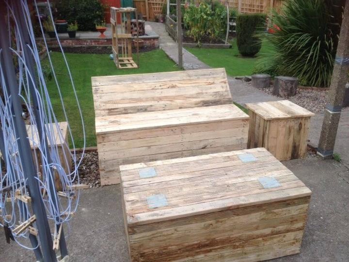 upcycled pallet patio and garden furniture set