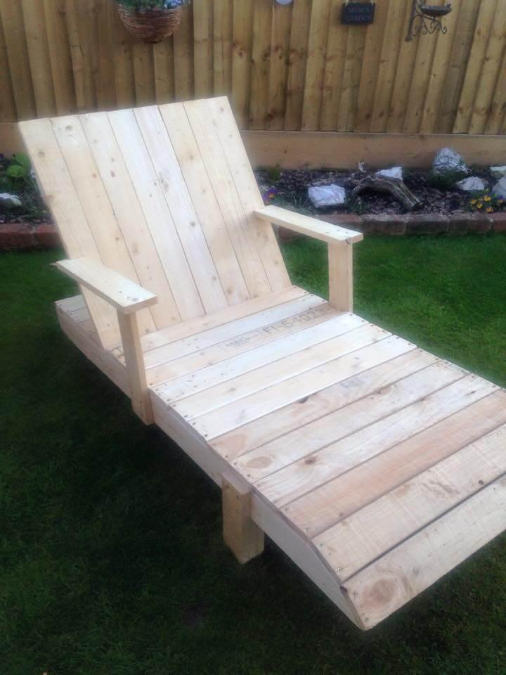 repurposed pallet poolside chair and outdoor lounger