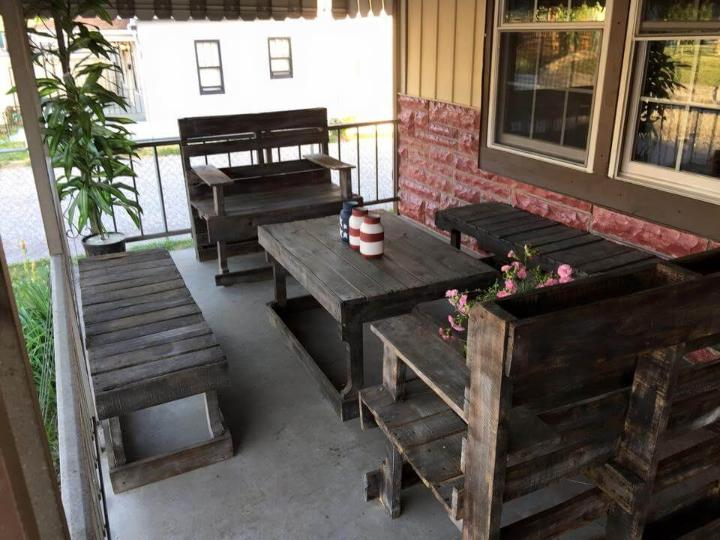 repurposed stained pallet porch furniture set