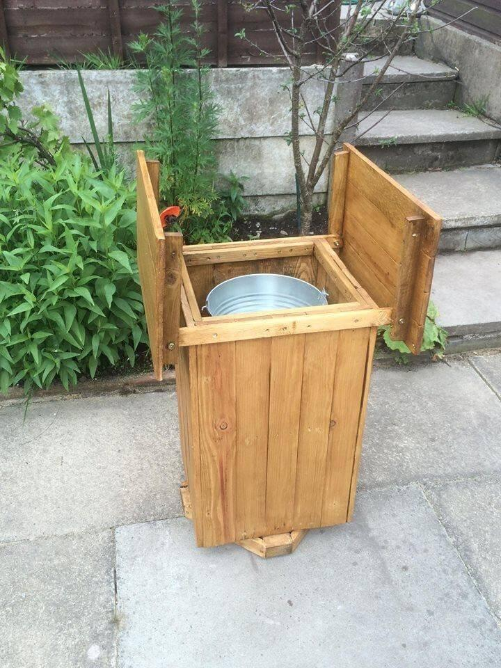 reclaimed pallet ice chest with inside steel bucket