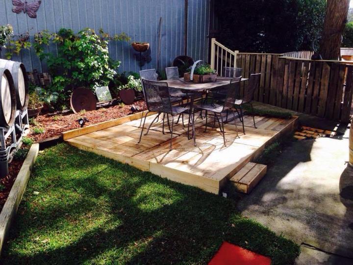 Build A Wood Pallet Deck Diy Easy