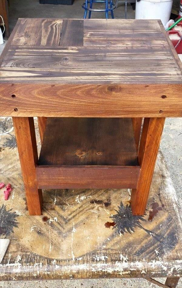 diy wooden pallet side table