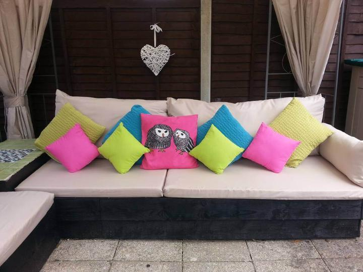uncut pallet cushioned sofa