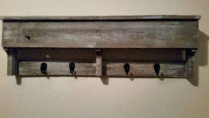 wooden pallet rustic shelf with hooks