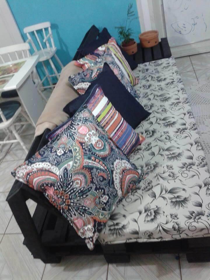 repurposed pallet cushioned sofa
