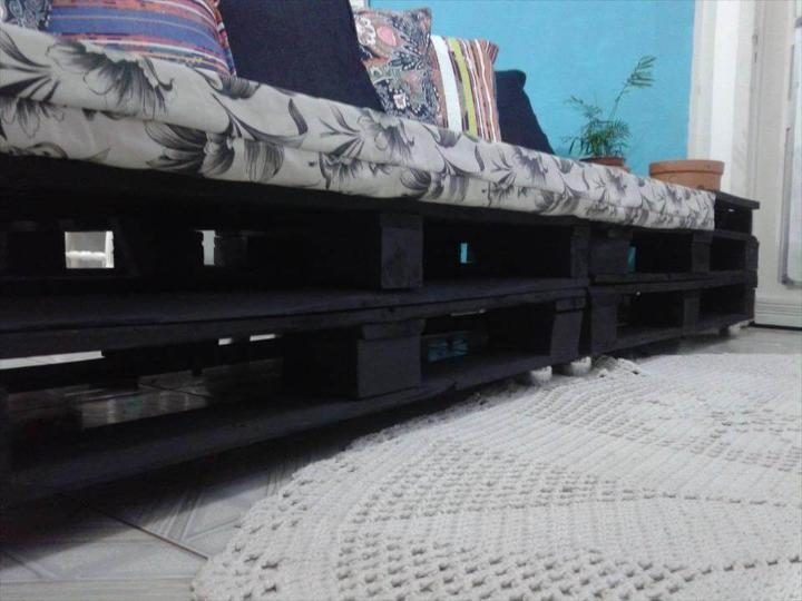 no-cost pallet sofa with cushion