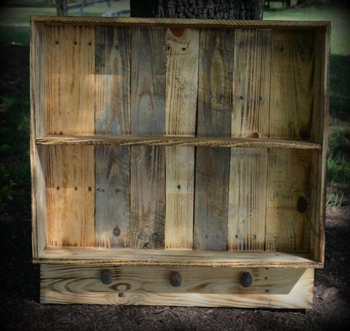 Wood Pallet Wall Shelf With Knobs Easy Pallet Ideas