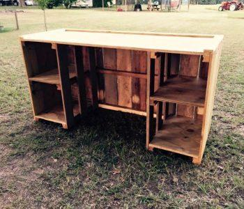 upcycled wooden pallet desk