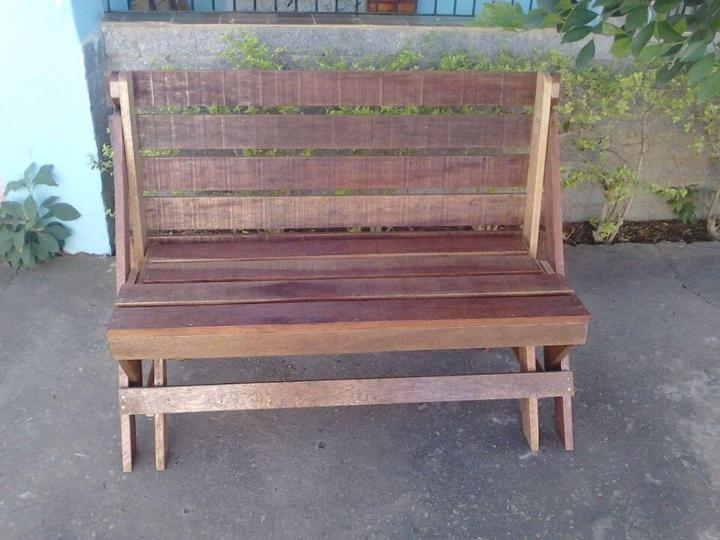 recycled pallet folding bench
