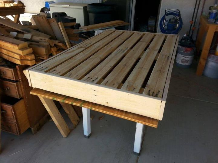 sanding and trimming of pallet board