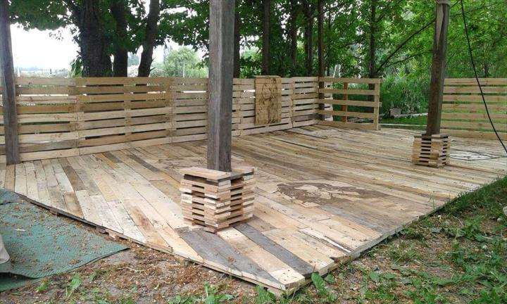 repurposed pallet home decking