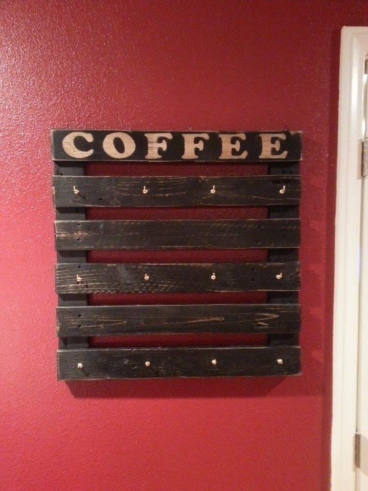 Recycled pallet coffee mug holder
