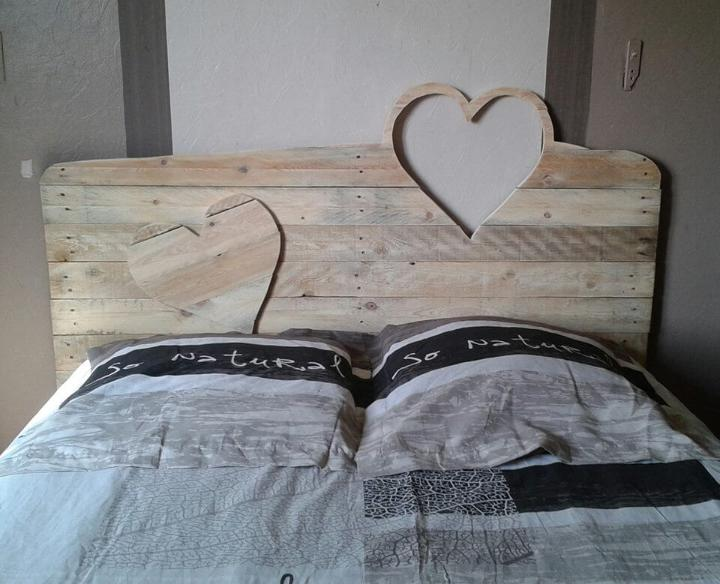 handmade wooden pallet love heart headboard