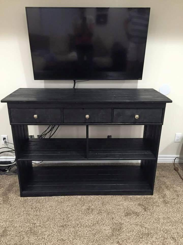 diy black stained pallet media console table