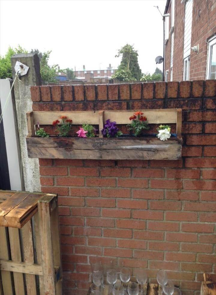 wooden pallet hanging wall planter