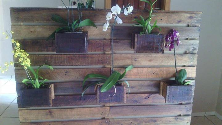 wooden pallet accent wall planter