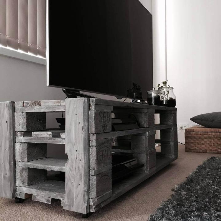 handmade wooden pallet console table